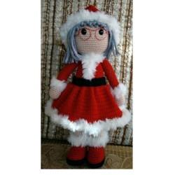 Amigurumi mama Noel doll