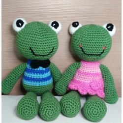 Frogs in love amigurumi...
